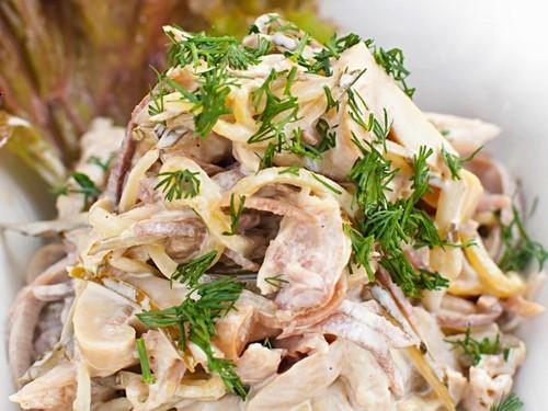 Салат мужской каприз с курицей и грибами рецепт с в
